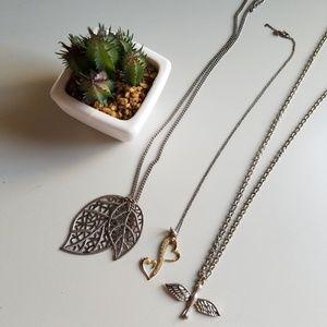 Jewelry - Set of 3 necklaces💎